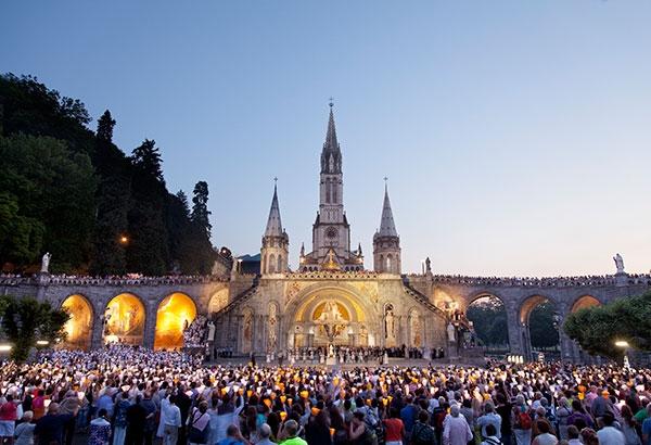 Lourdes con Carcassonne, Girona, Barcellona e Montserrat Viaggi della Fede