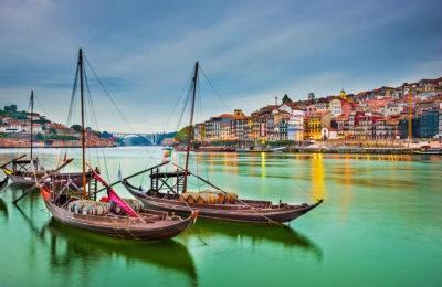 Porto e Santiago de Compostela Ponti e Capodanno dalla Sardegna