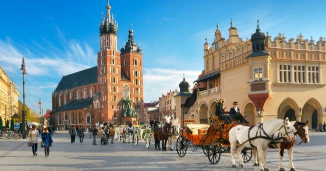 Cracovia con  Czestochowa, Wieliczka, Auschwitz e Wadowice Estate dalla Sardegna